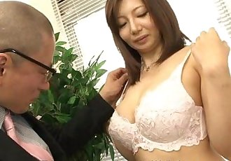 Asian milf getting fucked at her meassuring session - 1 min 4 sec