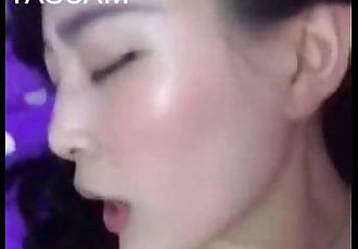 chinese beautiful girl selfshot tiny tits - 33 sec