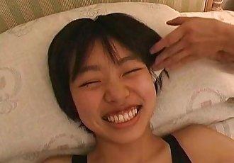 副标题 真的 日本 青少年 打喷嚏 和 挠痒痒的 戏弄的 - 5 min