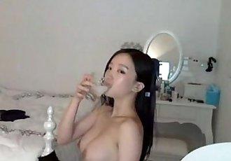 泡菜血統視訊女主播 朴妮唛 熱èˆÅ¾å½±ç‰‡ - 9 min