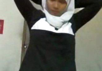 Phone 94 muslim girl blowjob&handjob - 3 min