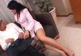 Chris Ozawa uses her tight pussy to smash a big dick - 10 min