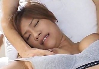 Azusa Ayano sexy Asian milf gives incredible double blowjob in threesome - 10 min