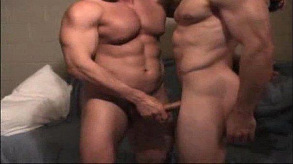 Amigos heteros se ajudando-Str8 Buds Helping Each other out