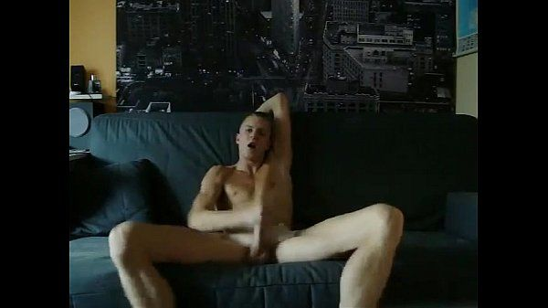 Straight guy has a beutiful orgasm