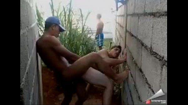 Dando para o hetero na construção