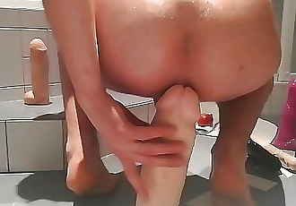 In love with Anal toys 6 min 1080p