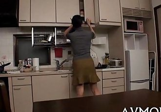 Deperate slut mom needs her sweetmeat - 5 min