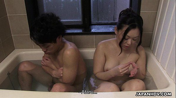 Couple has a bath together with a huge boner in it HD+