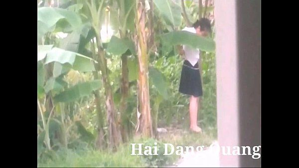 Hot teen school girl peeing Hai Dang Quang