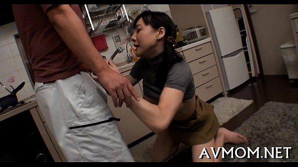 Asian milf love tunnel poung action