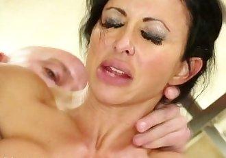 Big tit masseuse fucked - 5 min