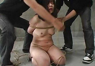 Japanese girl whipped and bound - 10 min