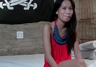 Skinny Amateur Asian Gives A Bathtub BJ - 5 min