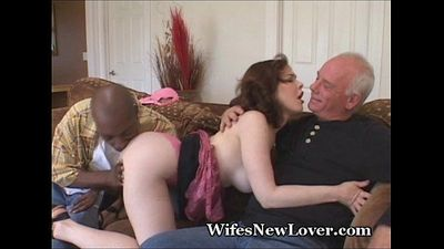 Big Titty Wife Gets Freaky - 3 min
