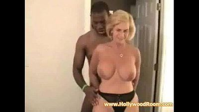 Mature Wife and Black Lover - 10 min