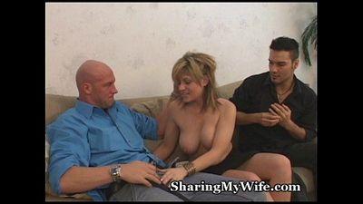 Cum Sharing Wife - 5 min