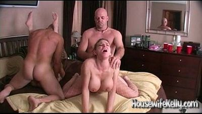 Wife Swapping with 2 Swinging Couples - 8 min