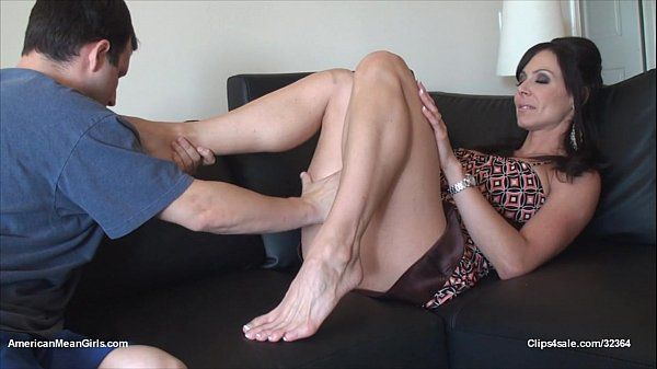 kendra foot worship