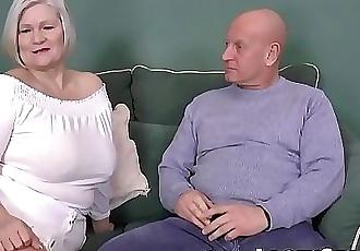 LACEYSTARRBusty GILF negotiates a good pussy deal 12 min HD+