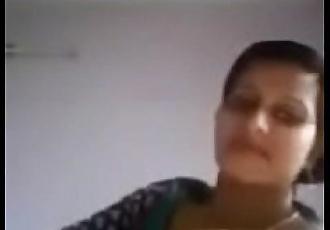 DiamondGirlCams.com - Indian Show Girl - 1 min 8 sec