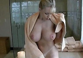 Danni Ashe - Bath Time - 4 min