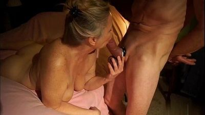 GREAT MILF BLOWJOB - 2 min