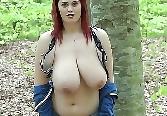 WwW.alexsisfaye.com Public nudity: Alexsis Faye gets naked in the woods while she is jogging 16 min HD