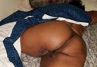 SLEEPING BIG BUTT MILF WAKES UP TO A HARD COCK AND A THICK CREAMPIEHD
