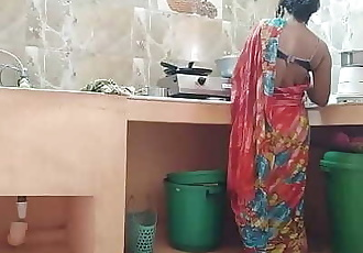 Desi indian Cheating maid Fucked By house owner In Kitchen 11 min 720p