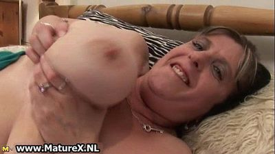 Old mom with huge natural tits loves - 5 min