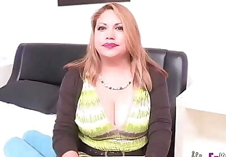 Busted! Filming a married woman with great peruvian titties 37 min 720p