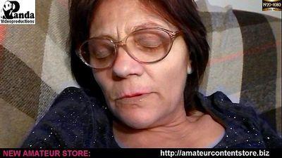 Granny Lisa dildoing in armchair - 8 min