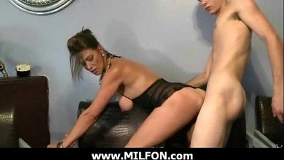 Hunting gorgeous milfs for hard sex 5 - 7 min