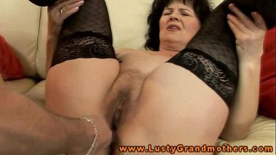 Amateur GILF in stockings hairy clit rubbed with toys and fingered - 6 min