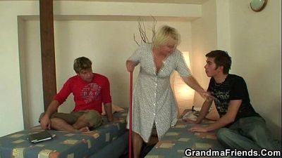 Old cleaning woman seduced into threesome - 6 min