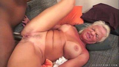 Interracial Anal Fuck with Granny Anett - 5 min