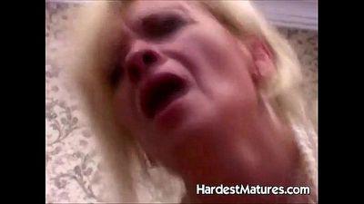 Older hardcore porn with Elia and Sue - 5 min