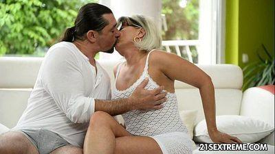 GILF Jessye wrestles with a huge cock - 10 min HD
