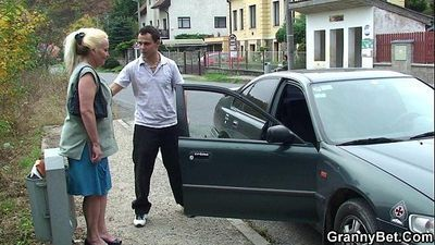 Old bitch is picked up and fucked - 6 min HD