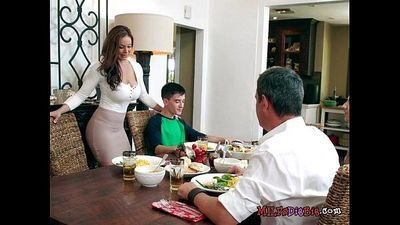 Foxy Cougar Kendra Lust Blows Their Hung Visitor