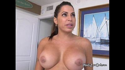 Juicy Maid Julianna Vega Blowing Boss And Master