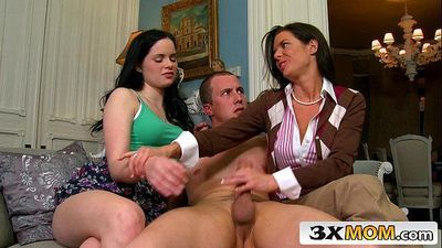 Blowjob Lesson From Experienced Mature MILFJenna Ross, Veronica AvluvHD