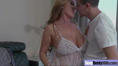 Housewife (kianna dior) With Big Juggs Fucks On Camera clip-20