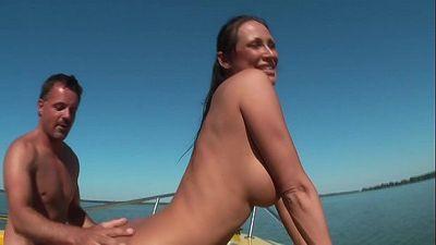 Mandy Bright auf Boot geficktMandy BrightHDgermanHD+