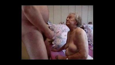 Очень старый бабушка Имея удовольствие Любительское Старше - 2 мин