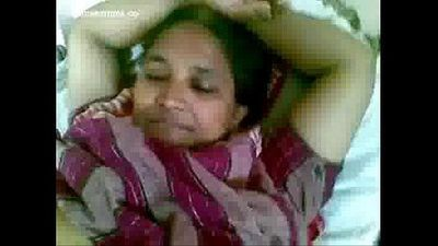 Mature Indian Maid Showing her Choot For Licking to Lover Mms - 2 min