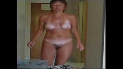 Enjoy my cute hairy mom fully nude. Hidden cam - 1 min 39 sec