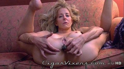 Diana Love ANAL cigar BLOOPER, from the archives - 17 sec HD