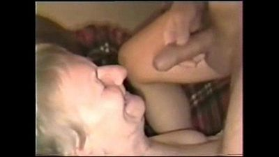 Cumming on face of my old neighbor. Amateur - 25 sec